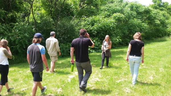 Eco-mindfulness group takes an educational foraging hike